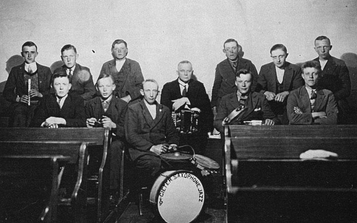De muziekgroep 'Gieter Saxophone Jazz' uit Gieten