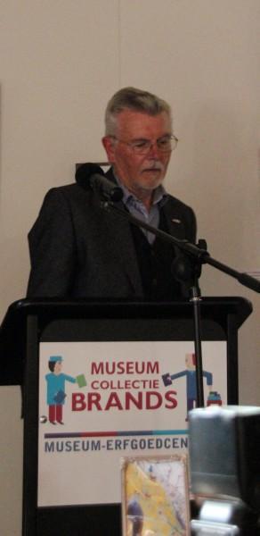 Auteur Dirk Otten (Heerde) vertelt over zijn boek Willehad.