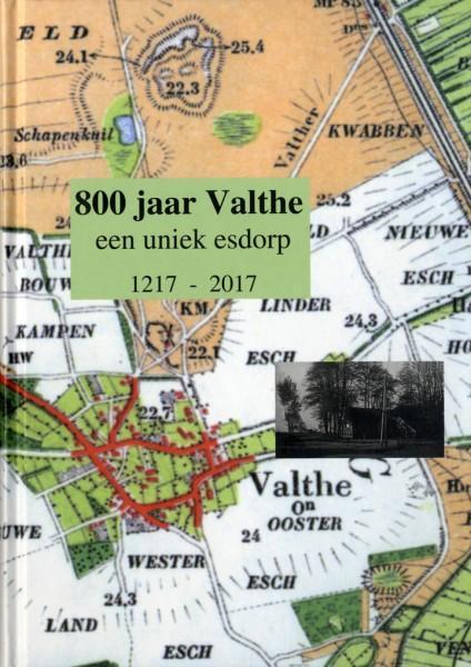 De omslag van het boek 800 jaar Valthe een uniek esdorp 1217-2017